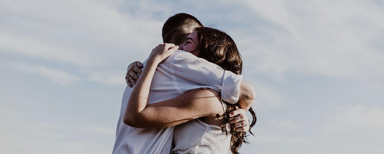 Oxytocin - So wirkt das Kuschelhormon