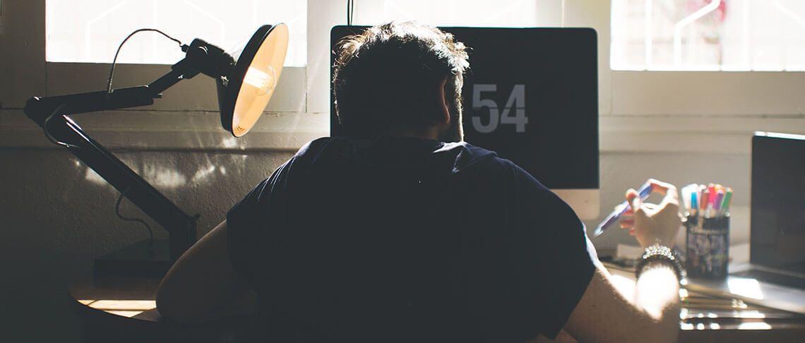 Wieso Arbeiten im Sitzen deiner Produktivität schadet