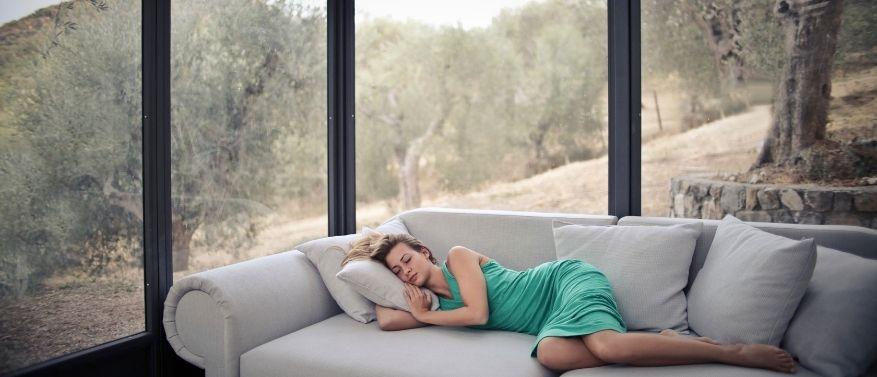 Diese Hausmittel helfen beim Einschlafen