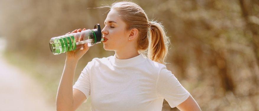 Make it a Habit: Mit diesen 6 Hacks trinkst du garantiert genug Wasser